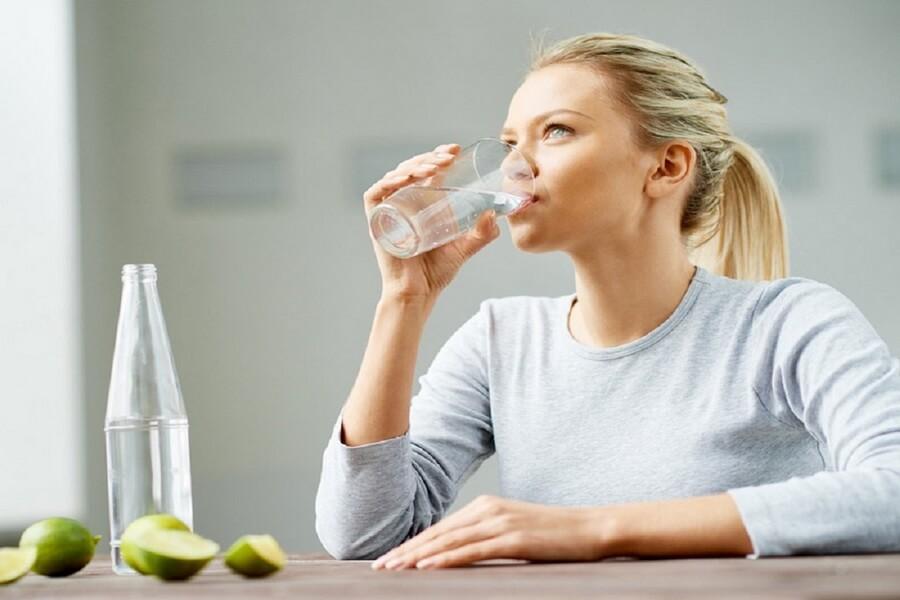 Uống nước đúng cách khi bị tiêu chảy